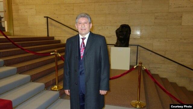 Mihai Ghimpu la ministerul german de externe, Berlin.