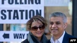 صادق امان خان و همسرش.