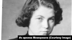 Наталья Горбаневская. 1953