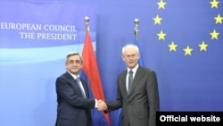 Armenia -- President Serzh Sarkisian (L) meets with Herman van Pompuy, president of the European Council, in Brussels, 27May 2010.