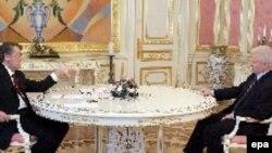 Виктор Ющенко провел ряд консультаций с руководителями объединений, прошедших в украинский парламент