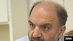 عبدالکریم سروش در دو سال اخیر به انتقادهای خود از حکومت جمهوری اسلامی شدت بخشیده است.