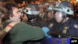 Судир на демонстрантите и полицијата,при остранувањето на шаторите