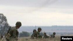 ҰҚШҰ мемлекеттері қарулы күштерінің әскери жаттығуы. Қырғызстан, 21 қыркүйек 2011 жыл. Көрнекі сурет.