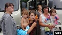 Беженцы из Южной Осетии во Владикавказе. 8 августа 2008