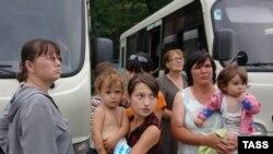 В своём недавнем телевизионном выступлении президент самопровозглашеной республики Эдуард Кокойты призвал югоосетинских беженцев вернуться на родину