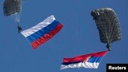 Zastave Rusije i Srbije