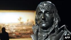 Бронзовый бюст Наполеона