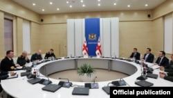 საქართველოს პრემიერ-მინისტრი ირაკლი ღარიბაშვილი ნატოს სამხედრო კომიტეტის თავმჯდომარეს, გენერალ კნუდ ბარტელსს შეხვდა