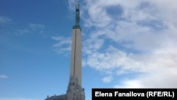 Памятник Свободы (1935) на бульваре Бривибас