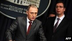 Специальный прокурор Милько Радисавлевич на пресс-конференции в Белграде