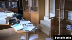 Один з кабінетів Меджлісу кримськотатарського народу в наші дні. Фото зі сторінки в Фейсбуці Різи Шевкієва