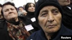 Согласно итогам проведенной в 2013 году регистрации вынужденно перемещенных лиц из Абхазии и Южной Осетии, беженцев в стране 260 тысяч человек