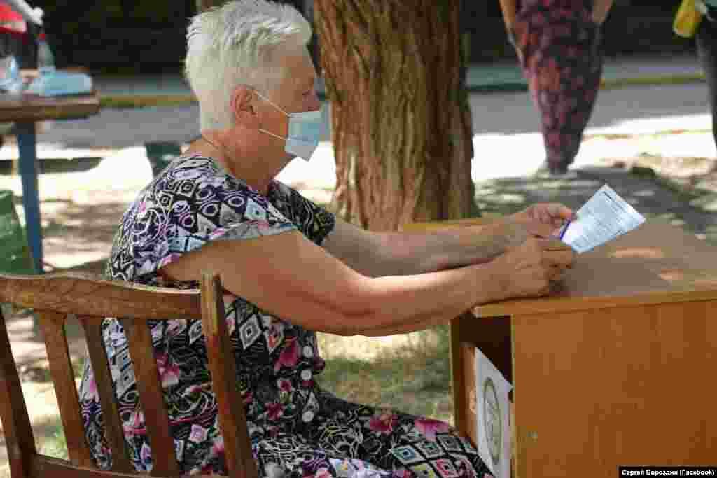 Первый день голосования в Керчи