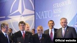 Обама эндиликда НАТО даги иттифоқдошларидан Афғонистонда барқарорлик ўрнатишда ўзи билан елкадош бўлишни сўрамоқда.