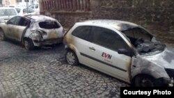 Запалени автомобили на ЕВН во Бугарија.