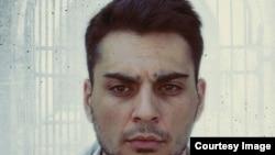 """Detaliu de pe afișul filmului """"Herman"""", cu actorul Sergiu Moraru în rolul principal."""