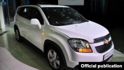 """""""Chevrolet Orlando"""" avtomobilining taqdimotga qo'yilgan nusxasi."""