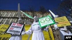 Архивска фотографија: Протест на активисти на Гринпис во Русија на 19 април 2011 година.
