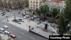 Инсталляция на месте памятника Ленину в Киеве