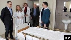 Архивска фотографија - Премиерот Никола Груевски и министерот за здравство Никола Тодоров.