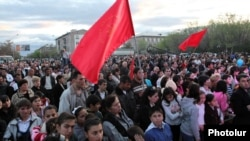 Armenia - The opposition Armenian Revolutionary Federation holds an election campaign rally in Armavir, 17Apr2012.