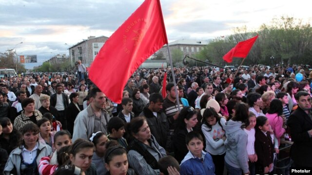 Armenia - The opposition Armenian Revolutionary Federation holds an election campaign rally in Armavir, 17Apr2012.