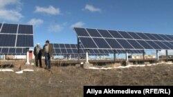 Гелиостанция в селе Сарыбулак, Алматинская область. 7 декабря 2015 года.