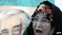 زهرا رهنورد به اسلحه مخفی در مقابل احمدی نژاد تبدیل شده است.