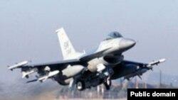 Ամերիկյան ռազմական ինքնաթիռը թռիչք է կատարում Ինջիրլիքի ռազմակայանից