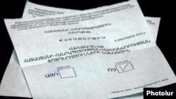 Pamje e fletëvotimeve në referendum