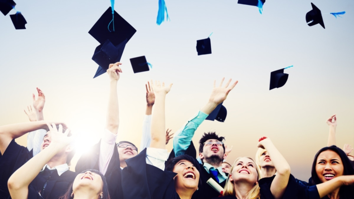 Каким будет высшее образование после COVID-19? В США и Британии университеты несут многомиллионные убытки