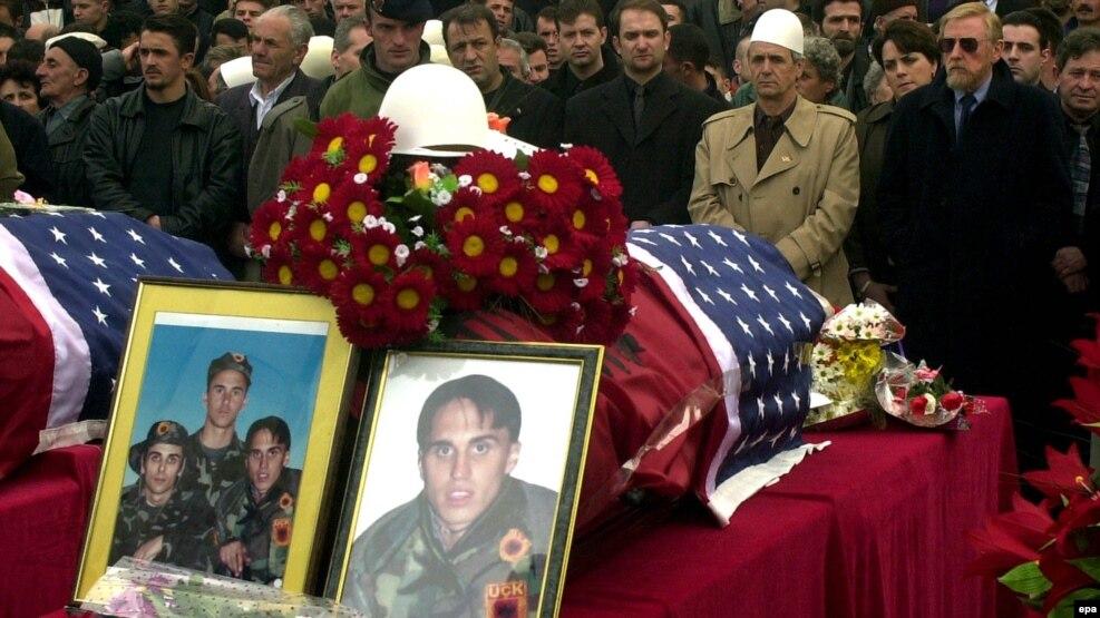 Sahrana braće Bitići na Kosovu 2002. godine, ilustrativna fotografija