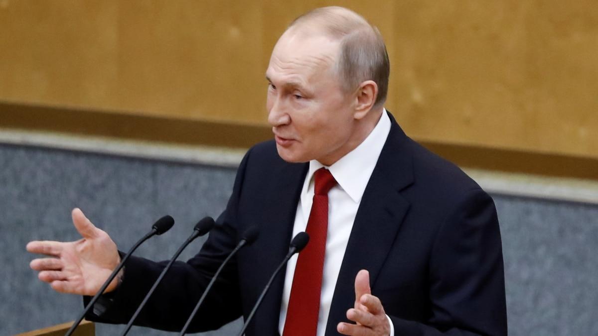 Госдума России окончательно одобрила изменения в конституцию, которые позволят Путину снова баллотироваться