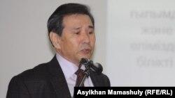 Тарихшы Қайдар Алдажұманов. Алматы, 6 желтоқсан 2012 жыл.