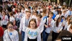 У жовтні 2018 року 78% українців вважали напрям руху країни неправильним