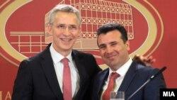 Архивска фотографија - Генералниот секретар на НАТО Јенс Столтенберг и премиерот Зоран Заев во Скопје,18.02.2018