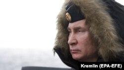 Володимир Путін під час навчань, російський ракетний крейсер «Маршал Устинов», 9 січня 2020 року