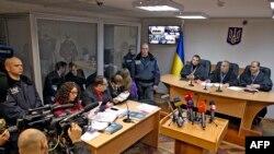 Судебный процесс по делу двух предполагаемых российских военнослужащих Александра Александрова и Евгения Ерофеева. Киев, 3 ноября 2015 года.