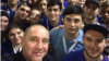 Селфи главы Карачаево-Черкесии Рашида Темрезова с молодежью (инстаграм главы республики)
