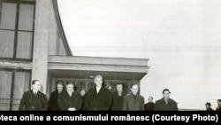 Corneliu Mănescu, ministrul român al afacerilor externe, pleacă în Republica Federală Germania, la invitaţia lui Willy Brandt, ministru al afacerilor externe. (30 I 1967). Fototeca onlilne a comunismului românesc; cota:30/1967