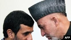 حامد کرزی (راست) و محمود احمدینژاد در کابل