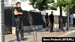 Поліція біля суду в Подгориці, де відбувалося засідання, 20 липня 2017 року