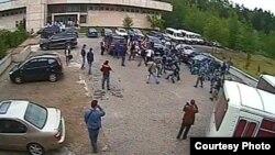 Столкновения полицейских и студентов из Чечни, обучающихся в академии имени Маймонида, Москва, июнь 2012 года.