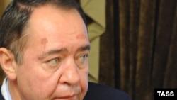 Дмитрий Медведев освободил Михаила Лесина от должности советника.