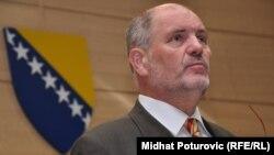 Mustafa Mujezinović, Foto: Midhat Poturović