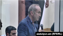 Экс-президент Армении Роберт Кочарян в суде, Ереван, 12 сентября 2019 г.