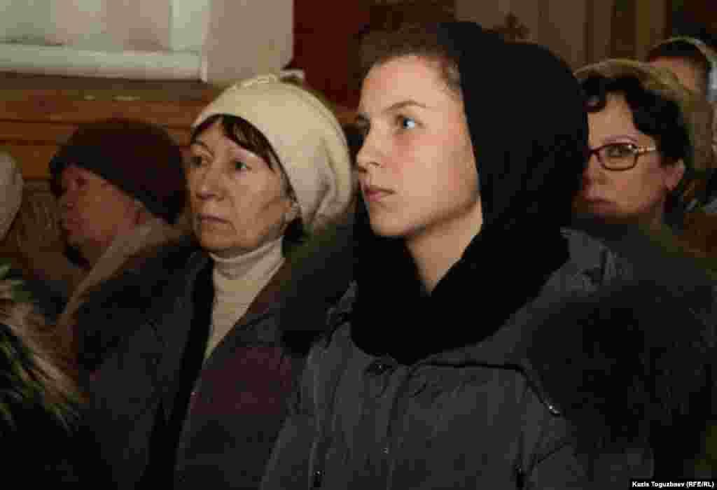 В церкви в день Рождества. Алматы, 7 января 2014 года.