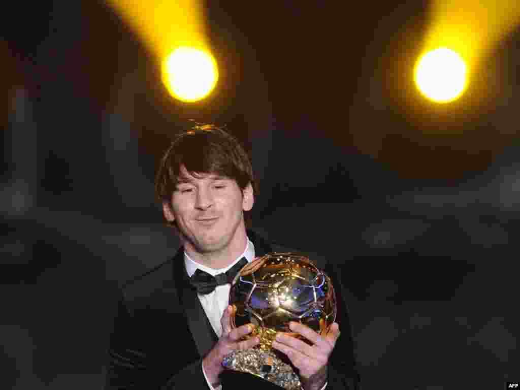 Цюрихта аргентиналы Лионель Месси дөньяның иң яхшы футболчысы дип аталды.