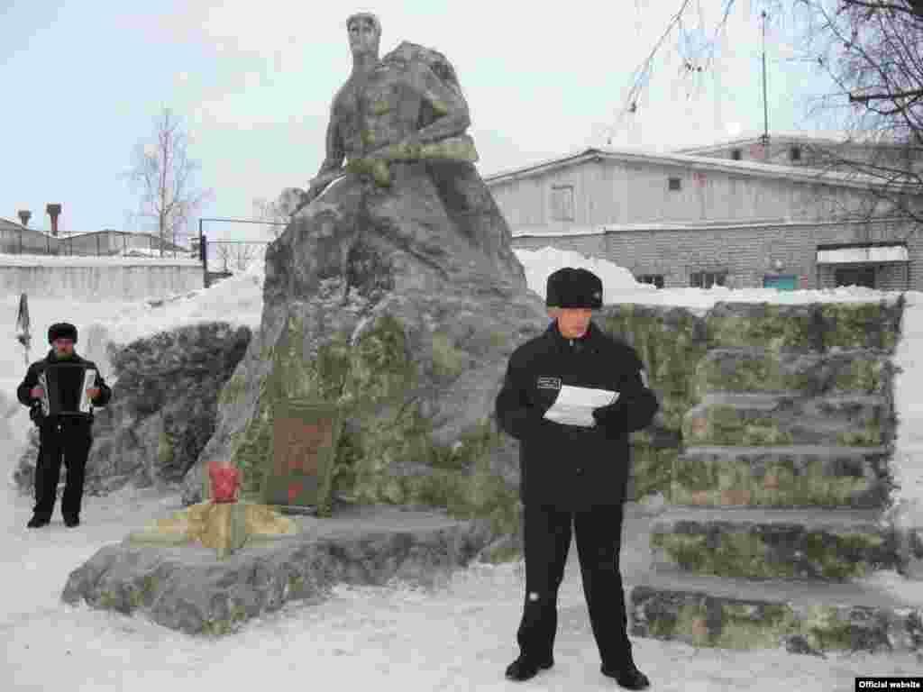 Февраль 2009 г. Конкурс ледовых фигур в ИК-7 (г. Сегежа)